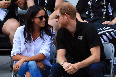 toronto, on   september 25  prince harry r and meghan markle l attend a wheelchair tennis match during the invictus games 2017 at nathan philips square on september 25, 2017 in toronto, canada  photo by vaughn ridleygetty images for the invictus games foundation