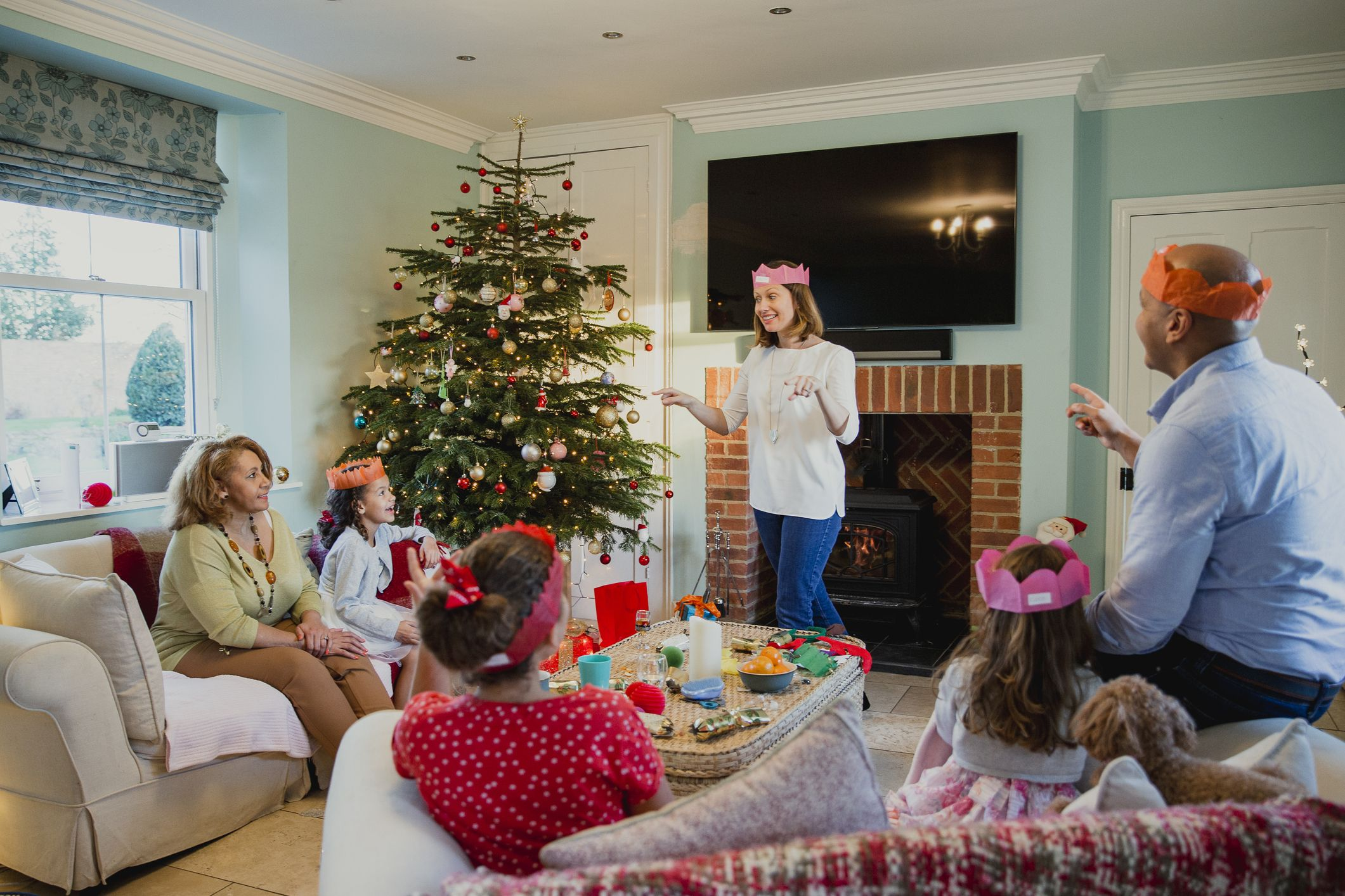 10 Exciting Christmas Games You Can Play With the Whole Family