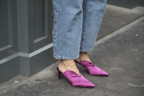 Footwear, Pink, Street fashion, Leg, Shoe, Purple, Human leg, Jeans, Ankle, Denim,