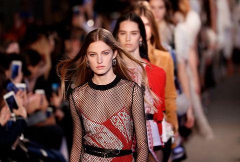 Fashion, Fashion show, Fashion model, Runway, Street fashion, Beauty, Event, Human, Fashion design, Lip,