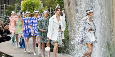 Fashion, Street fashion, Eyewear, Fashion design, Footwear, Spring, Runway, Fashion show, Sunglasses, Shoe,
