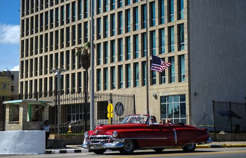 Motor vehicle, Vehicle, Classic, Urban area, Car, Architecture, Downtown, Classic car, Luxury vehicle, Human settlement,