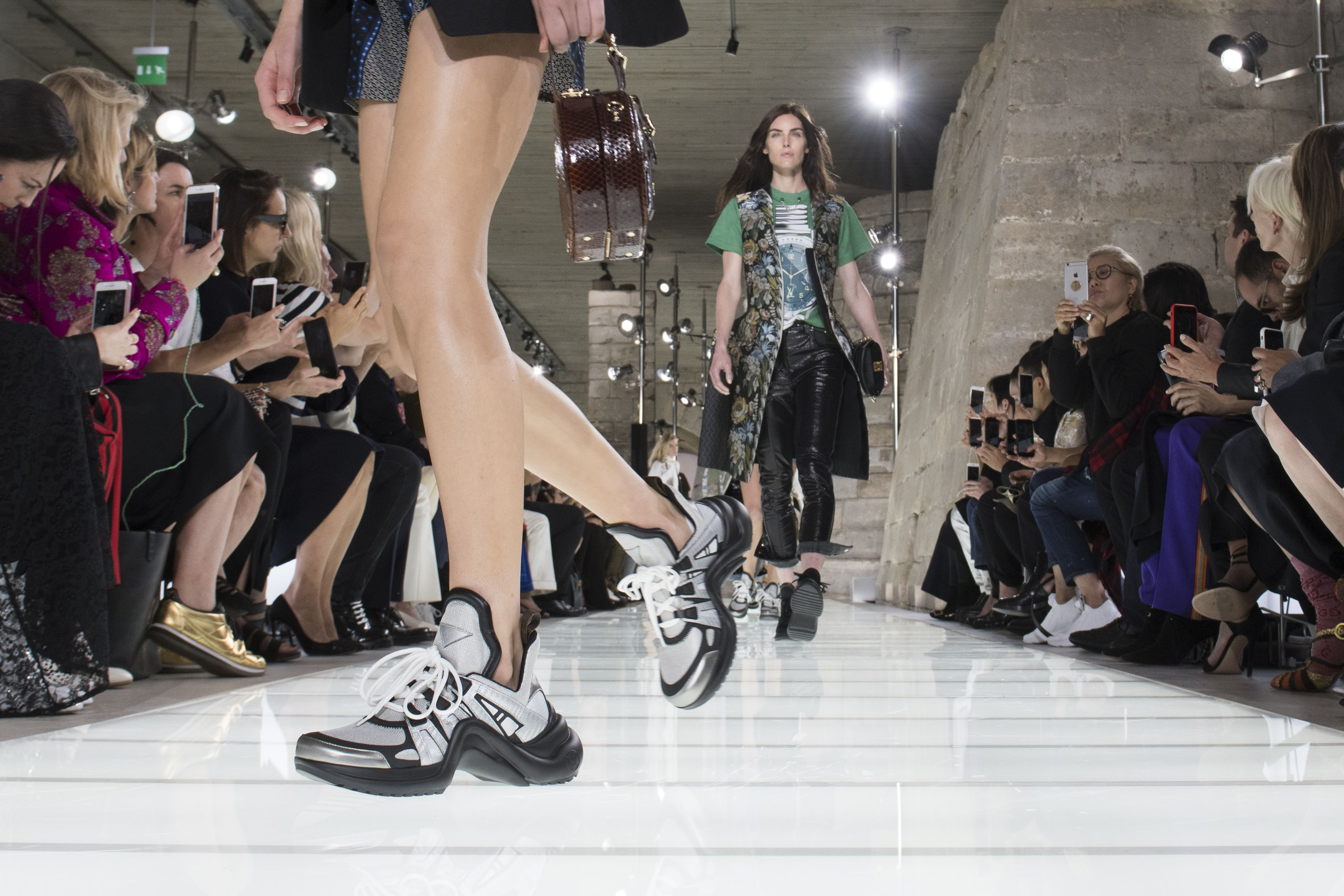 Discussion on this topic: French Girls This Shoe Trend Summer 2019, french-girls-this-shoe-trend-summer-2019/