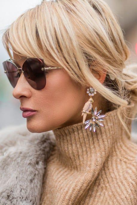 Eyewear, Hair, Street fashion, Hairstyle, Blond, Sunglasses, Fur, Beauty, Lip, Glasses,