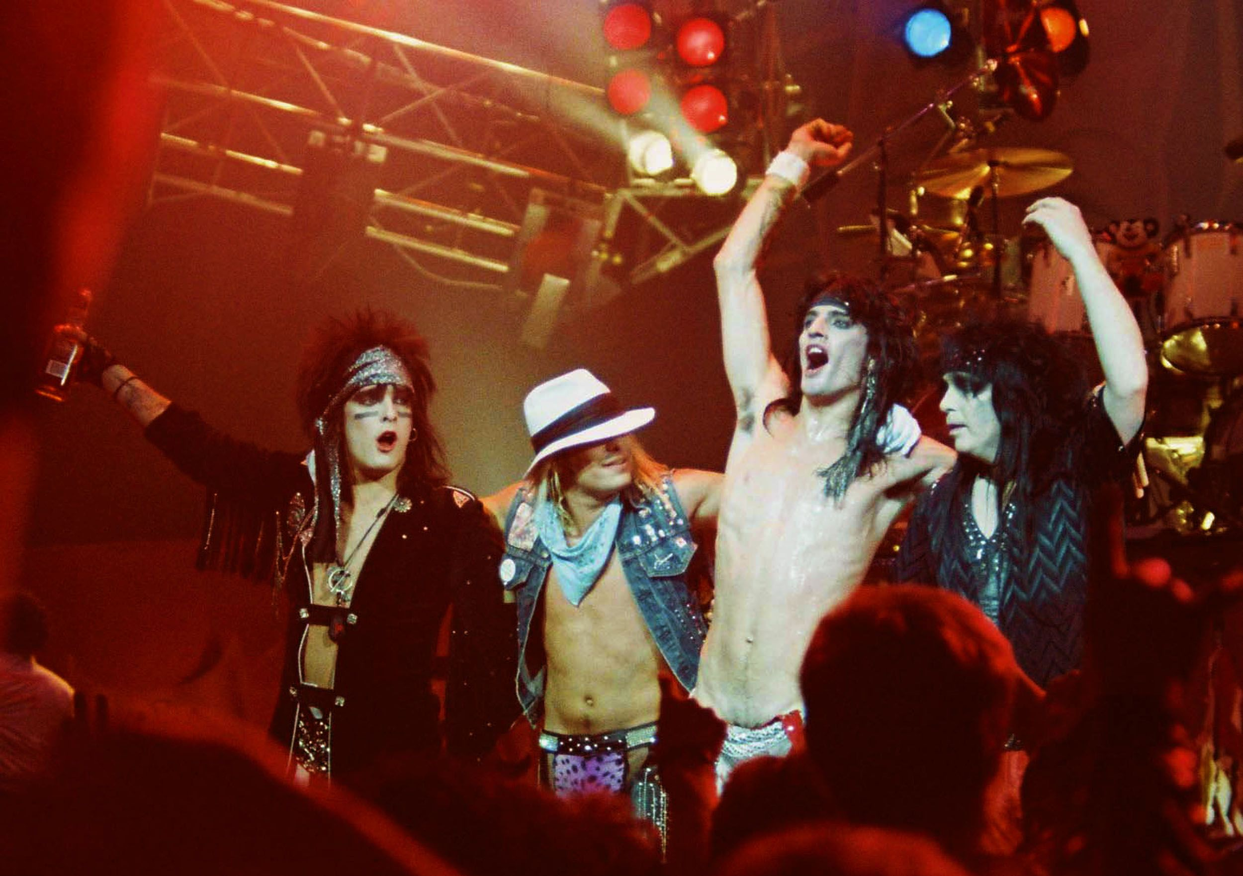 Motley Crue Photos Pictures Of Motley Crue Partying And Playing Music In The 1980s