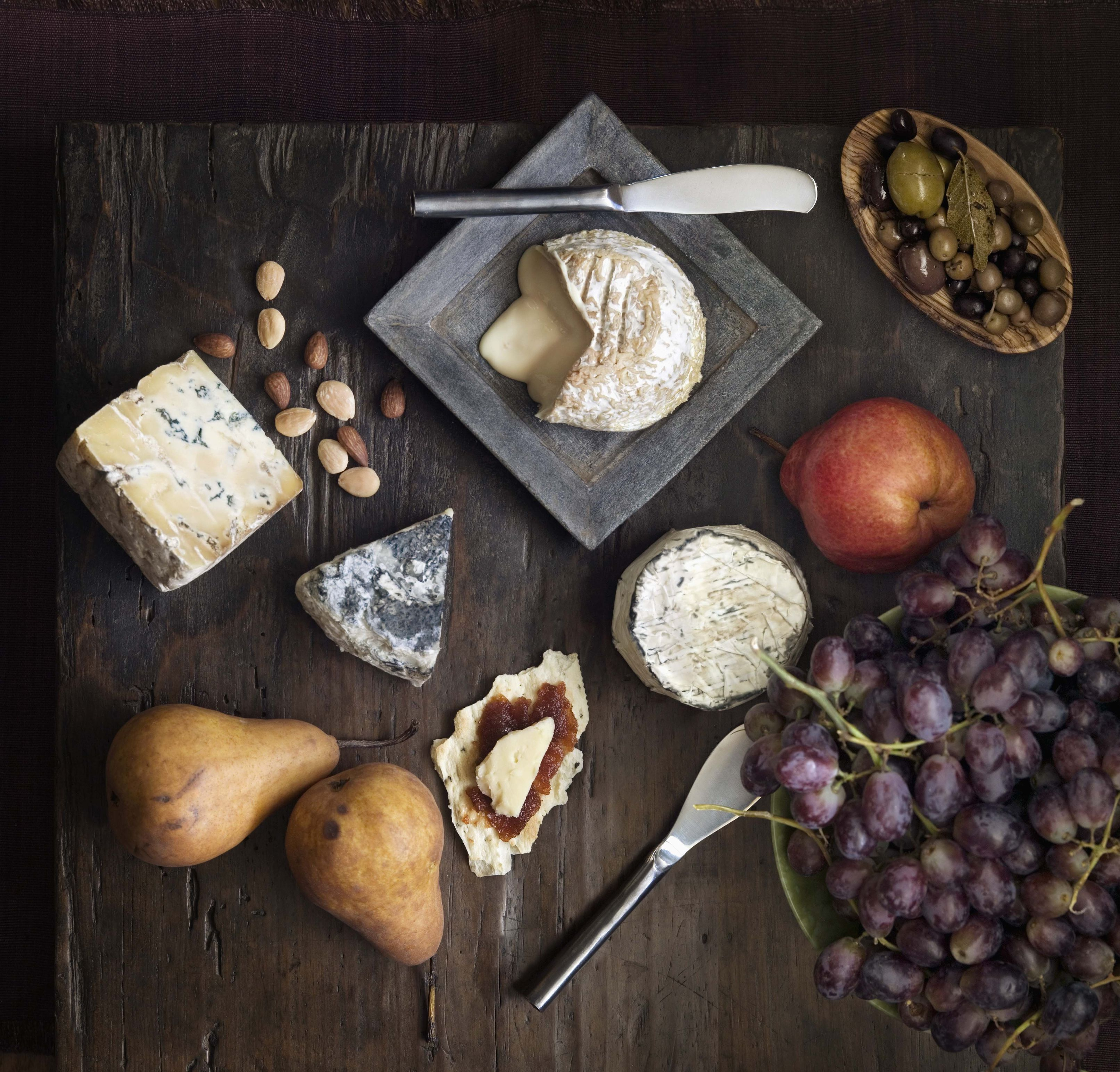 cheese board & How To Build The Perfect Cheese Board - Best Italian Cheeses for ...