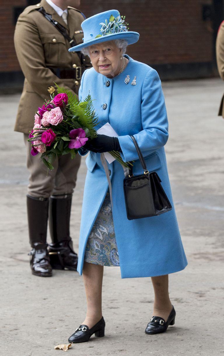 14 Fashion Rules the Royal Family Follows - Unexpected Royal Fashion ...