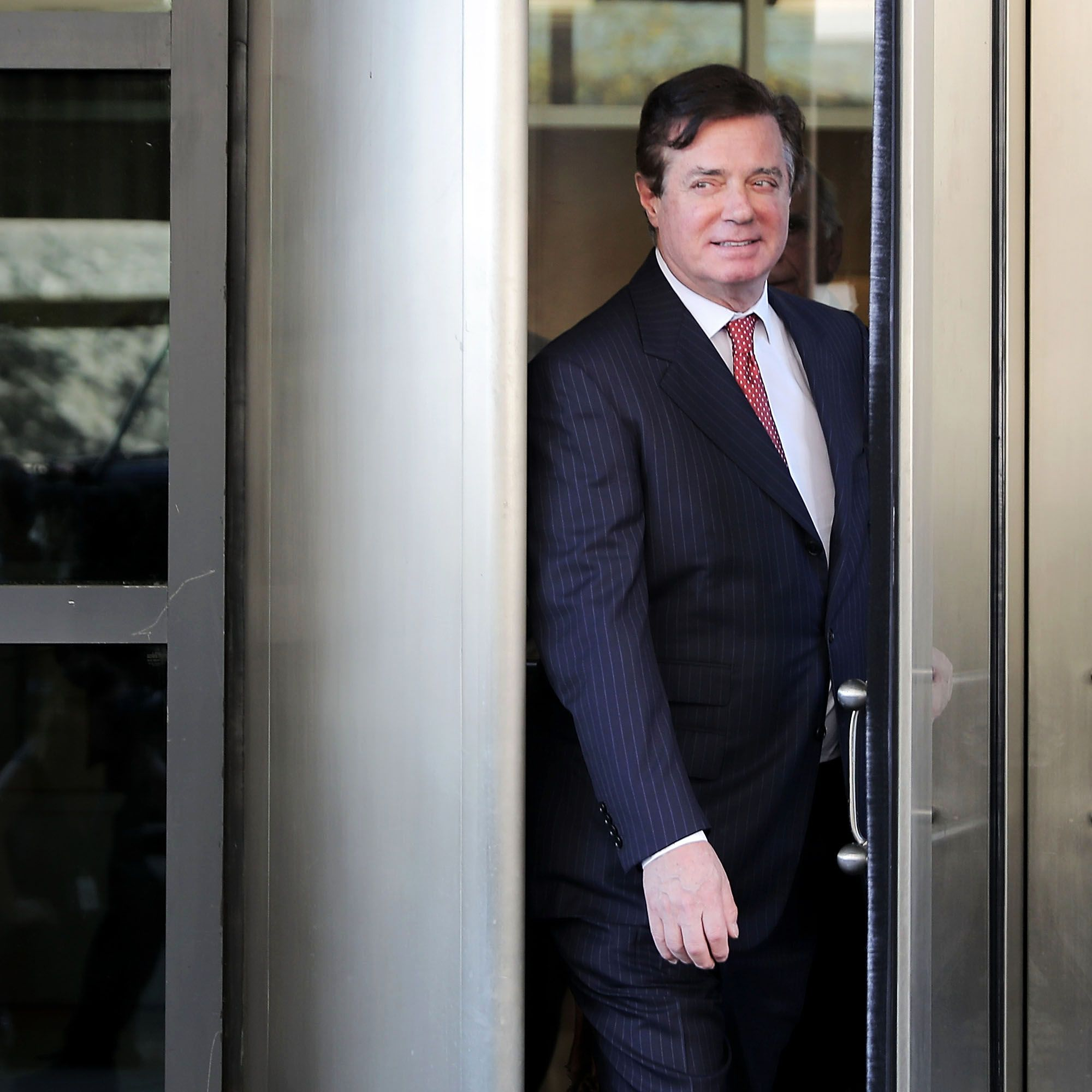 Former Trump campaign manager Paul Manafort leaves the Prettyman Federal Courthouse following a hearing November 2, 2017 in Washington, DC.