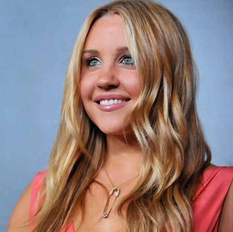 Hair, Blond, Face, Hairstyle, Long hair, Beauty, Layered hair, Chin, Lip, Brown hair,