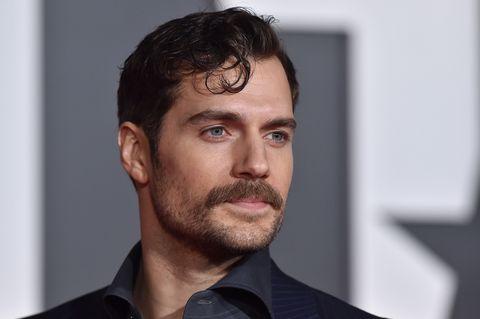 Baffi la nuova tendenza dell 39 uomo che taglia la barba - Diversi tipi di barba ...