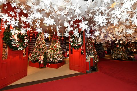 Macy's HThings to do NYC Holidayserald Square Santaland - 2017
