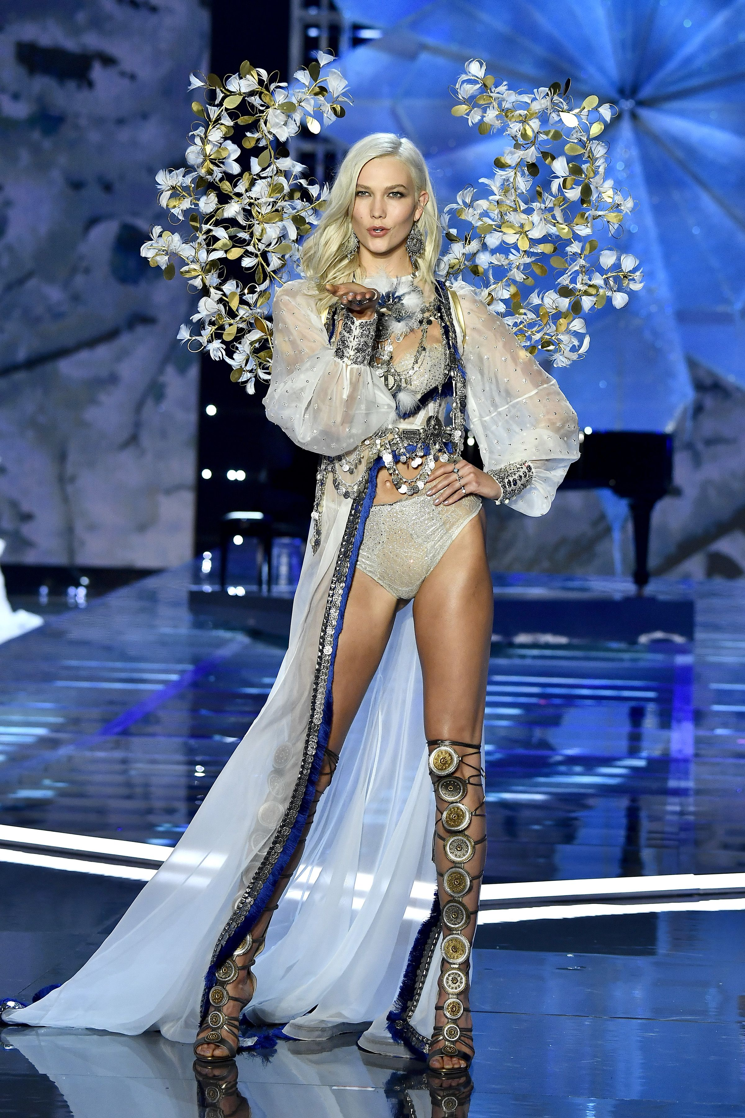 Karlie Kloss Kloss is a supermodel, entrepreneur, and philanthropist. She has worked with a variety of modeling agencies since she was 14 and is currently signed by IMG .
