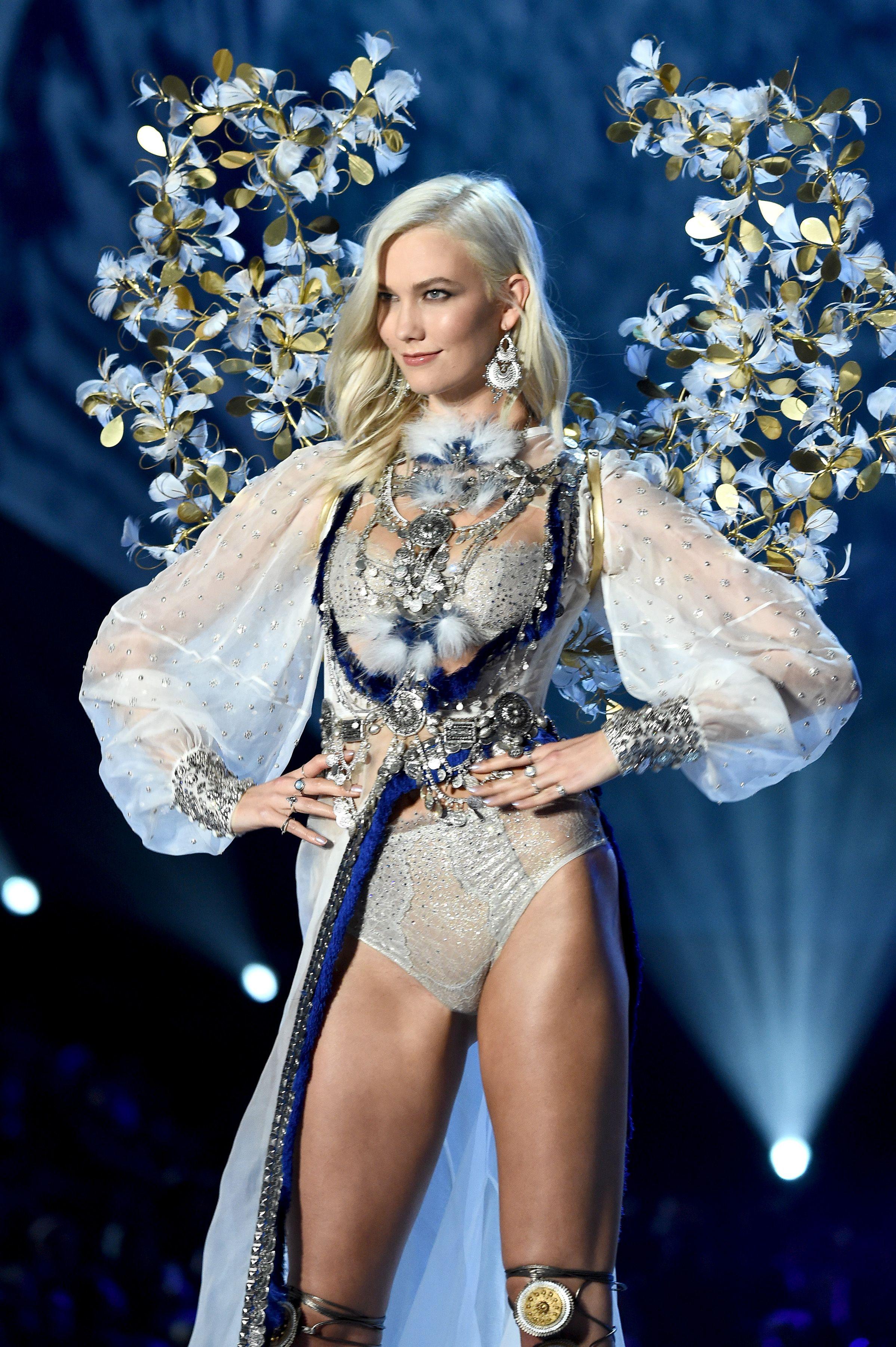 33 Best Victoria Secret Angel Wings 2017 Vs Fashion Show 2017 Wings