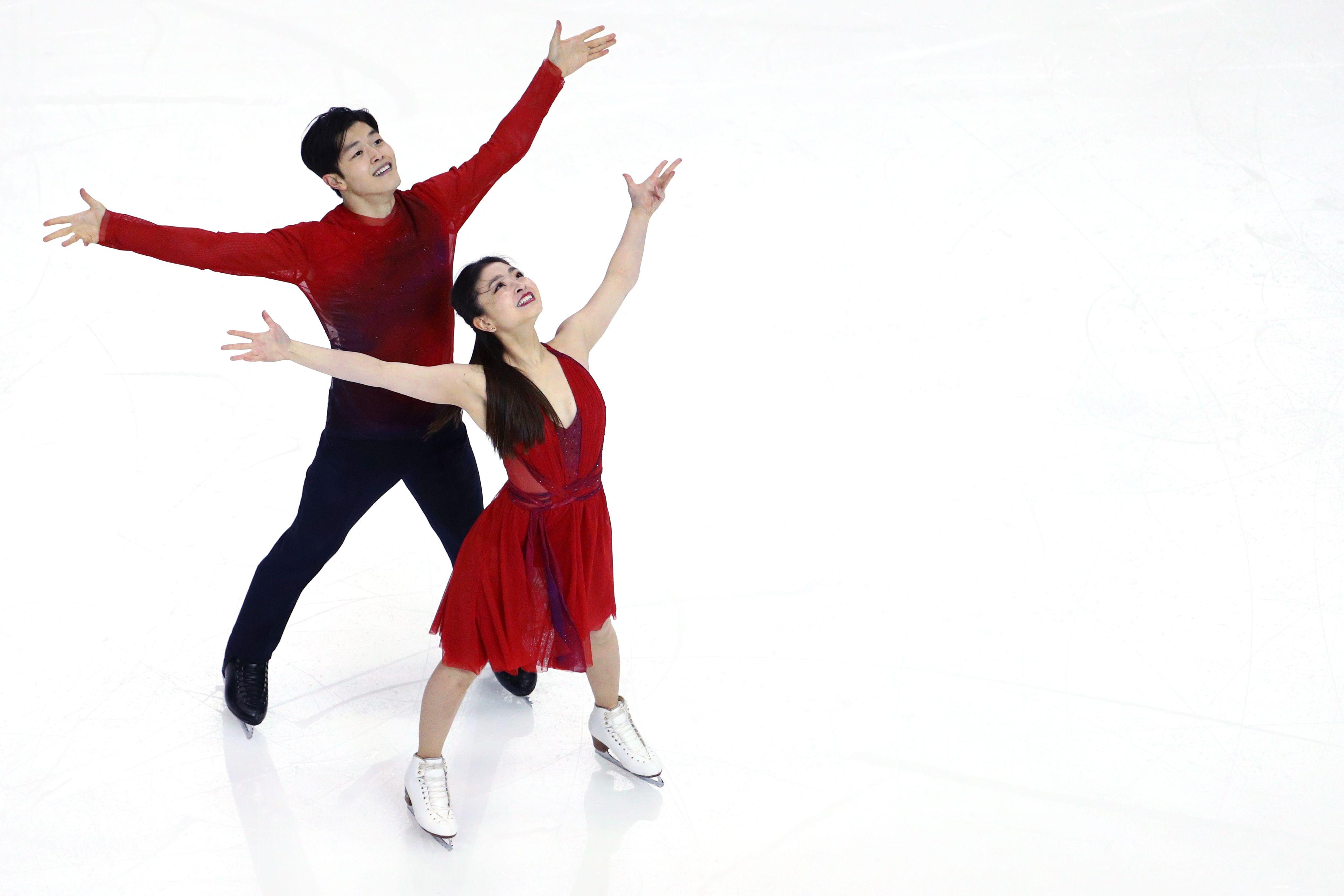 Guys singles dance