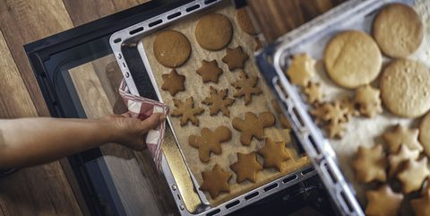 baking gingerbread cookies in the oven