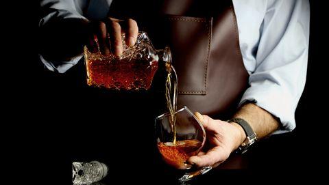 Drink, Alcohol, Liqueur, Bartender, Distilled beverage, Whisky, Cocktail, Manhattan, Boilermaker, Wine cocktail,