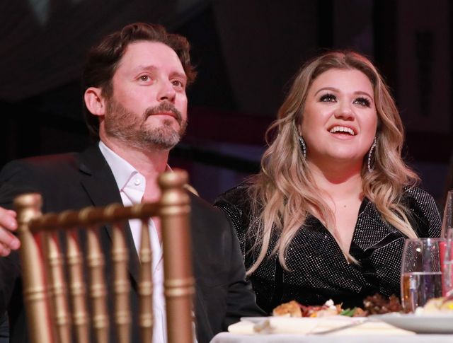 hollywood, ca   november 30  brandon blackstock l and honoree kelly clarkson attend billboard's women in music 2017 presented in partnership with fiji water on november 30, 2017 in hollywood, california  photo by rachel murraygetty images for fiji water