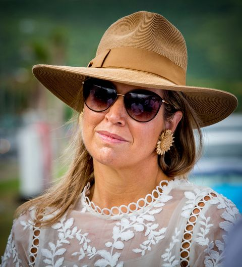 Eyewear, Hair, Face, Hat, Sunglasses, Clothing, Glasses, Skin, Cool, Sun hat,