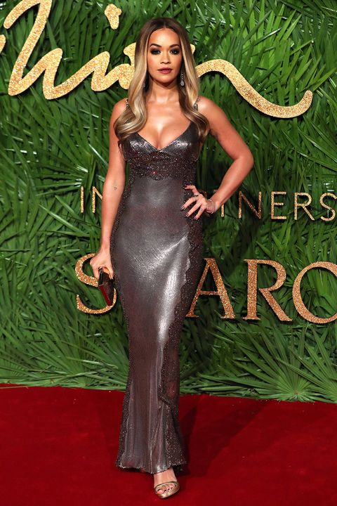 Red carpet, Clothing, Carpet, Dress, Gown, Hairstyle, Long hair, Fashion, Flooring, Haute couture,
