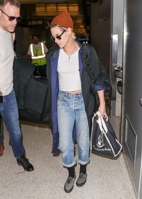 Jeans, Denim, Clothing, Standing, Footwear, Leg, Textile, Trousers, Shoe, Waist,