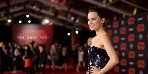 Red carpet, Carpet, Fashion, Dress, Flooring, Premiere, Event, Fashion model, Haute couture, Model,