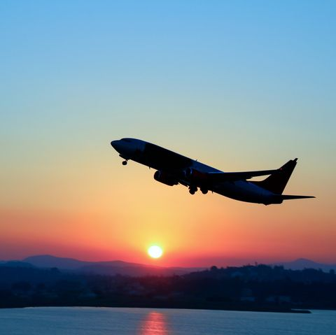 Air travel, Airplane, Sky, Airline, Airliner, Flight, Takeoff, Aircraft, Vehicle, Aerospace engineering,