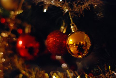 How you can combat christmas depression christmas christmas tree baubles solutioingenieria Image collections
