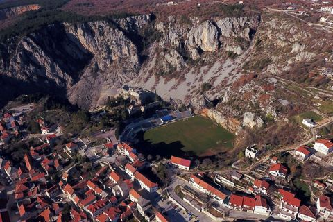 Aerial photography, Bird's-eye view, Geological phenomenon, Stadium, Urban area, Photography, Landscape, Sport venue, City, Rock,
