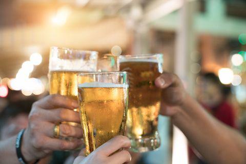 Beer, Fluid, Liquid, Alcohol, Alcoholic beverage, Drink, Barware, Beer glass, Amber, Drinkware,