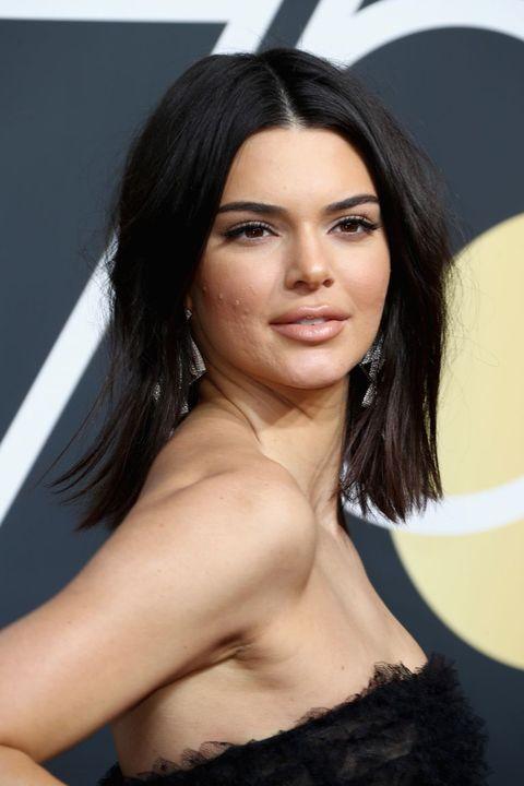 d10b38bc0f15e3 Kendall Jenner Acne - Kendall Jenner Golden Globes Skin