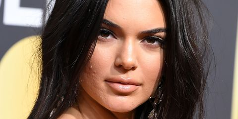 Kendall Jenner Wears No Makeup To Meet Kim Kardashian S New Baby To Silence Acne Shamers