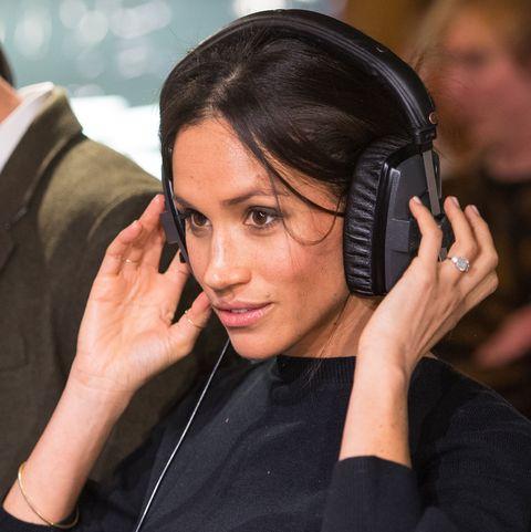 Audio equipment, Headphones, Gadget, Hearing, Technology, Electronic device, Ear, Hand, Black hair, Headset,