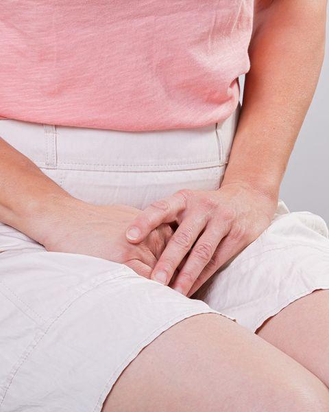 Thigh, Skin, Leg, Stomach, Abdomen, Joint, Pink, Hand, Knee, Sitting,