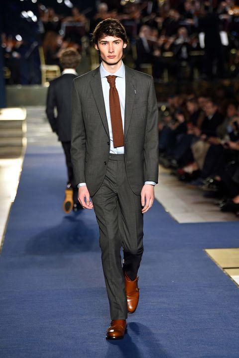 Suit, Fashion, Clothing, Runway, Fashion model, Fashion show, Formal wear, Blazer, Human, Event,