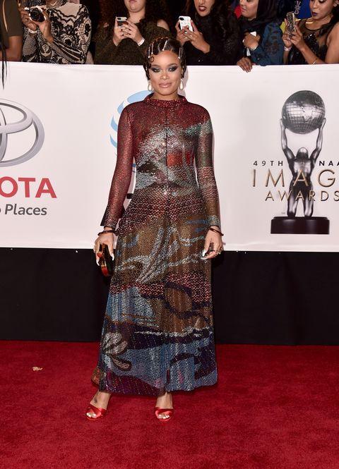 Red carpet, Carpet, Clothing, Dress, Fashion, Premiere, Flooring, Event, Shoulder, Award,