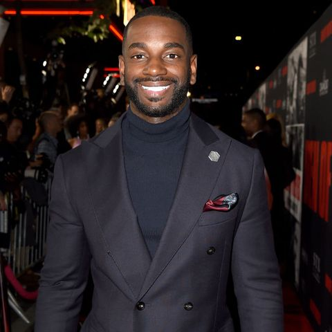 Suit, Premiere, Red carpet, Carpet, Formal wear, Event, Flooring, Tuxedo, Outerwear, Blazer,