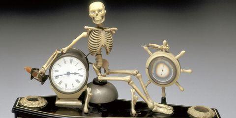 Clock, Trophy, Antique, Alarm clock, Brass, Home accessories, Metal,