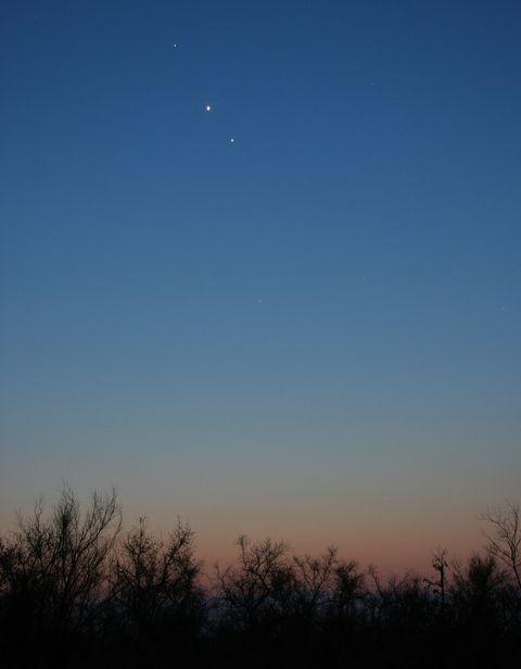 夜空に浮かぶ惑星