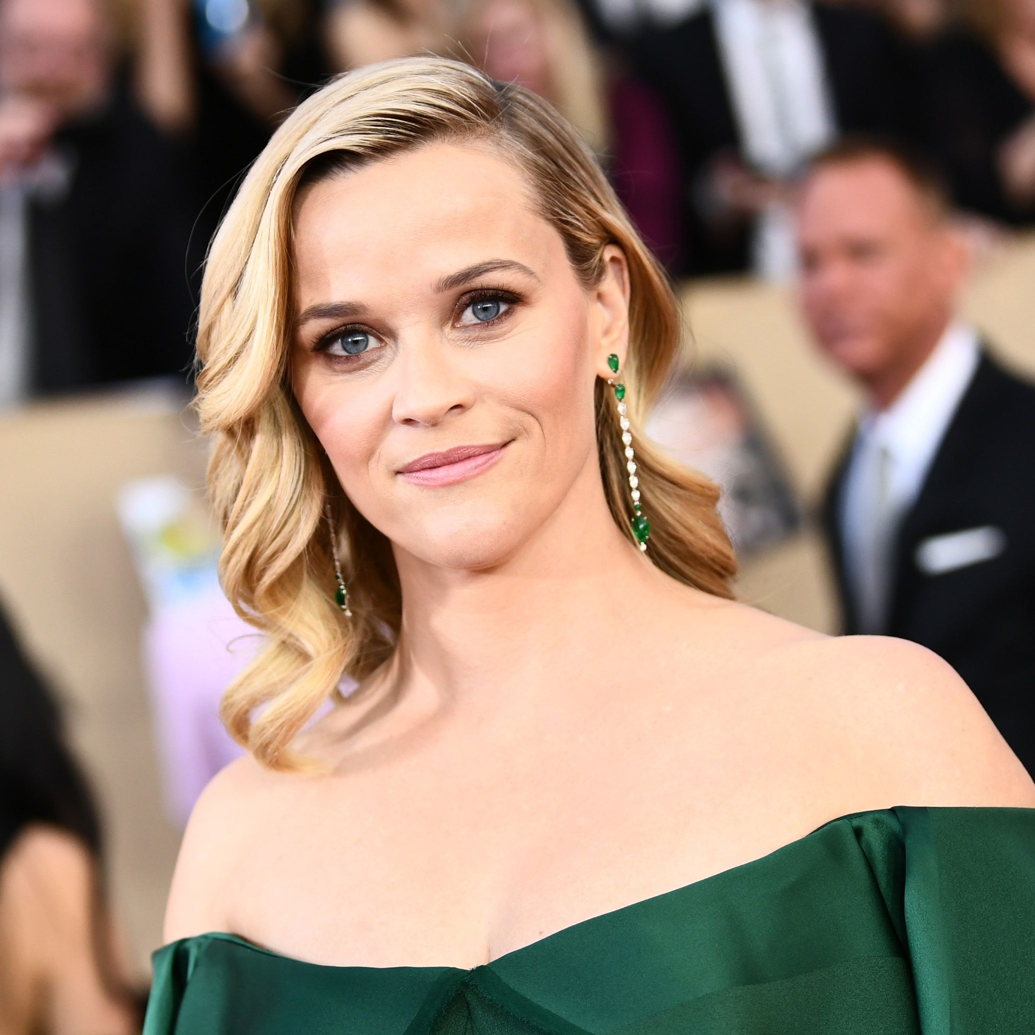 """Reese Witherspoon Admits She Loves Her Gray Hair and Fine Lines: """"I So Prefer 43 to 25"""""""