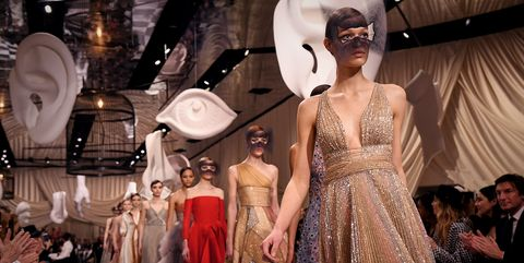 Fashion model, Fashion, Haute couture, Clothing, Dress, Fashion design, Fashion show, Event, Gown, Costume design,