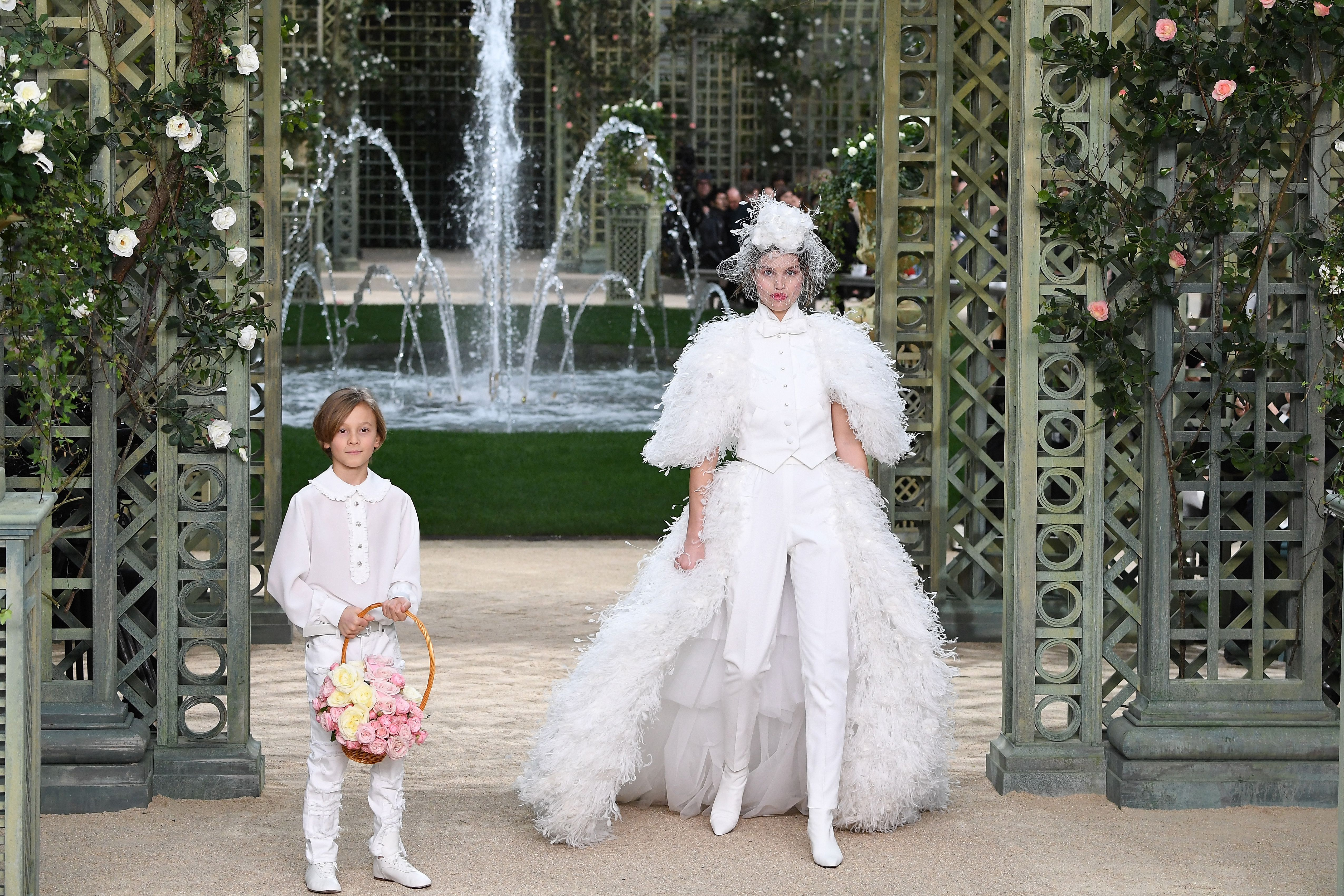89d4b9b3e0e 100+ Reasons You Should Be Flying to Paris for a Haute Couture Wedding Gown