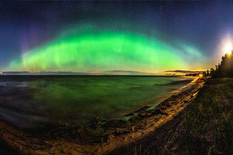 Nature, Sky, Aurora, Green, Natural landscape, Atmosphere, Landscape, Space, Photography, Horizon,