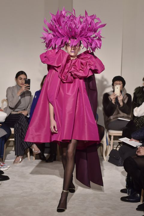 Fashion, Fashion show, Runway, Pink, Fashion model, Purple, Beauty, Haute couture, Fashion design, Event,