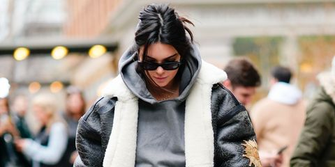 dedc28180ddf Kendall Jenner Inspires Hilarious Fashion Meme With Ludicrously ...