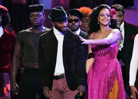 rihanna performs wild thoughts at 2018 grammys watch rihanna s grammy ceremony performance wild thoughts at 2018 grammys