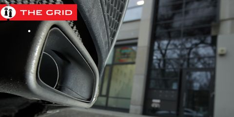 Vehicle door, Vehicle, Car, Auto part, Family car, Subcompact car, Wheel,