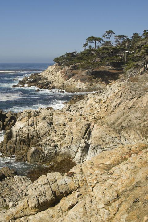 coast, body of water, shore, sea, coastal and oceanic landforms, headland, promontory, rock, ocean, cliff,