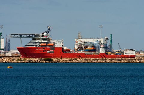 Vehicle, Boat, Ship, Watercraft, Transport, Diving support vessel, Port, Channel, Tank ship, Cargo ship,