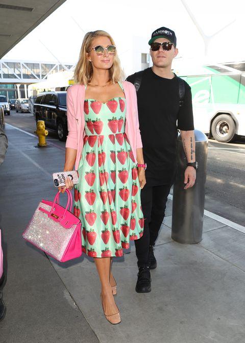 Clothing, Street fashion, Fashion, Pink, Dress, Shoulder, Eyewear, Footwear, Sunglasses, Snapshot,