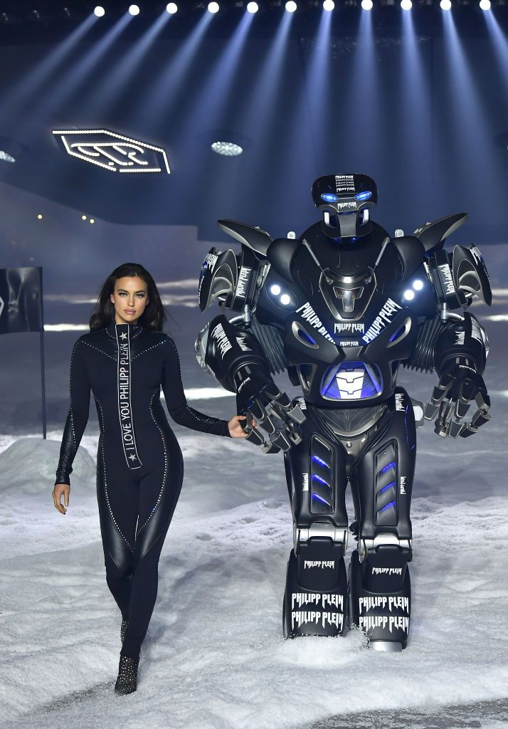 Irina Shayk and a robot walked the runway together at Philipp Plein
